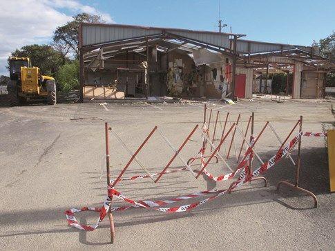 démolition caserne pompiers Clohars-Carnoët